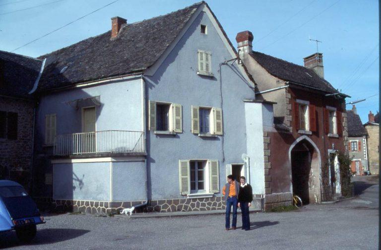 Pargou - portail du village après